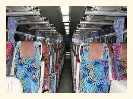 バス車内画像