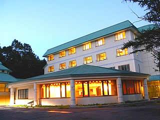 往復夜行バス【五竜】白馬ホテルオークフォレスト1泊 リフト2日券付